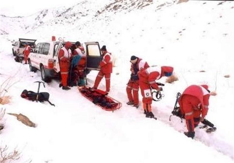 امدادرسانی به 1200 مسافر گرفتار در برف در بروجن