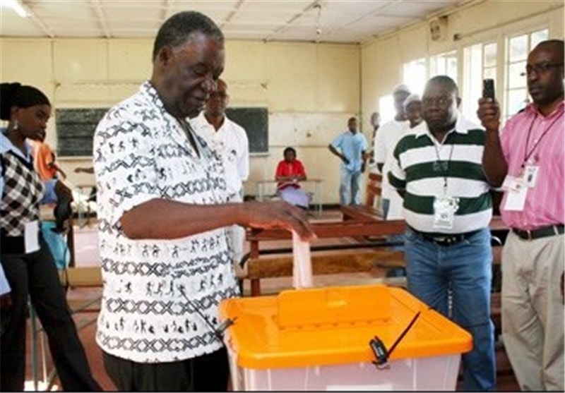 Zambians Vote in Tight Presidential Election
