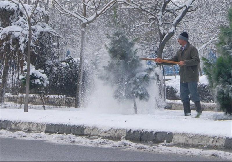 بازار داغ برفروبی در گیلان/ برف روبی 100 هزار تا 200 هزار تومانی