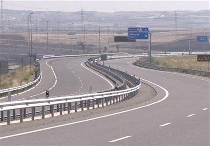 پیشرفت 76 درصدی جاده بندو به بزرگراه خلیج فارس