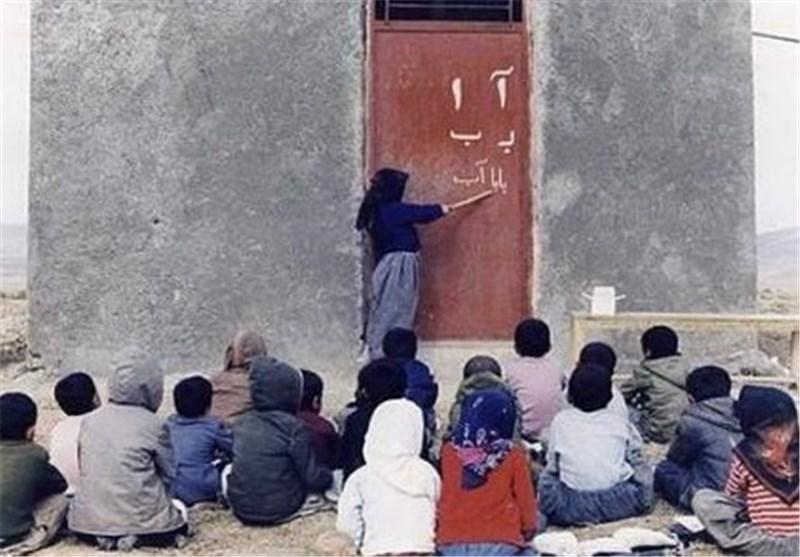 تاکید استاندار کردستان بر فراگیری سوادآموزی در مناطق حاشیهنشین و مرزی