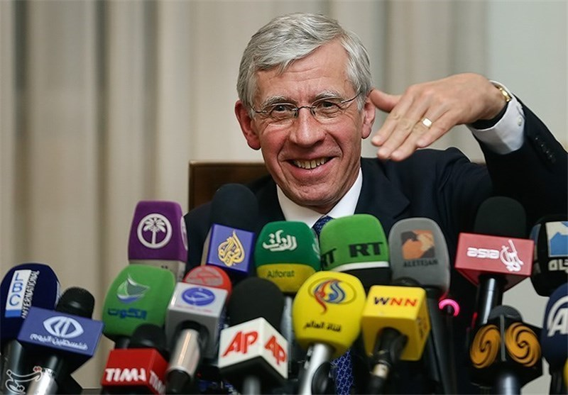 Straw: Resolving Syria Crisis Only Possible with Iran's Participation