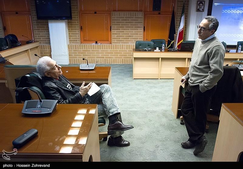 از راست : فرهاد توحیدی و محمدرضا زریندست در نشست سینما گران ایران و مصر