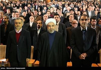 حجت الاسلام حسن روحانی رئیس جمهور و سیدحسن قاضیزادههاشمی وزیر بهداشت در نوزدهمین جشنواره تحقیقاتی علوم پزشکی رازی