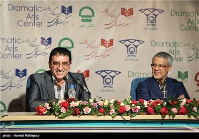 سخنرانی قادر آشنا مدیرکل سابق مرکز هنرهای نمایشی وزارت ارشاد