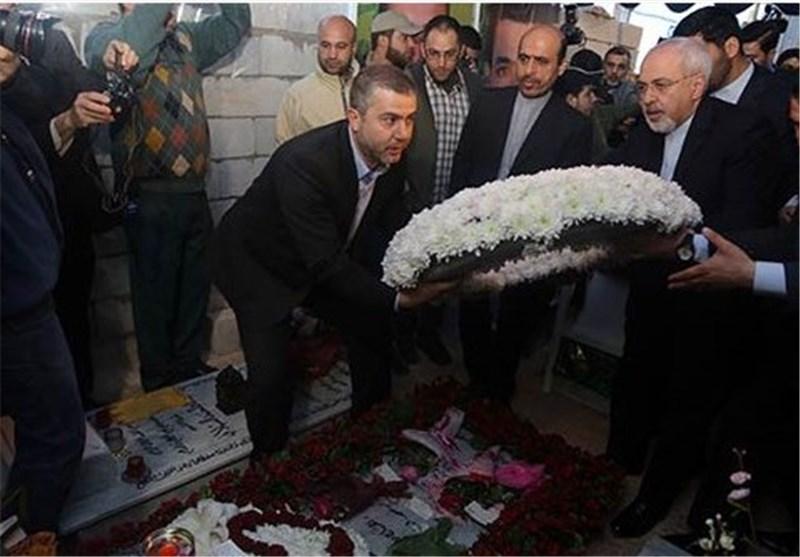 Iran's FM Urges United Front against Extremism