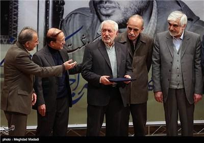 محمد غرضی در مراسم یادبود مرحوم کازرونی
