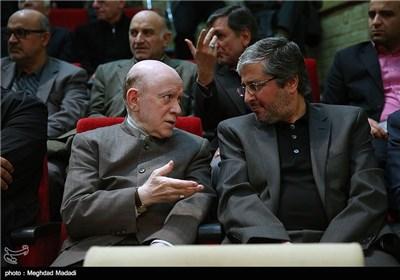 حبیبی دبیرکل حزب مؤتلفه در مراسم یادبود مرحوم کازرونی