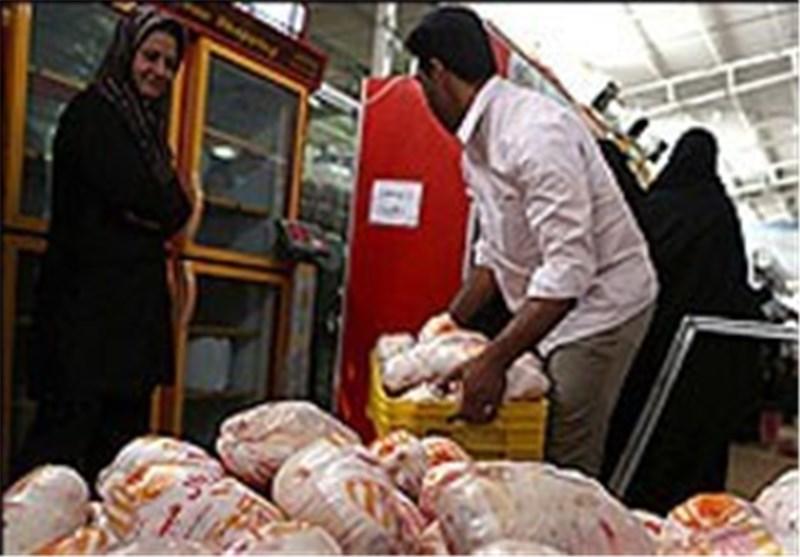 5 تن مرغ در کهریزک کشف و با نرخ مصوب عرضه شد