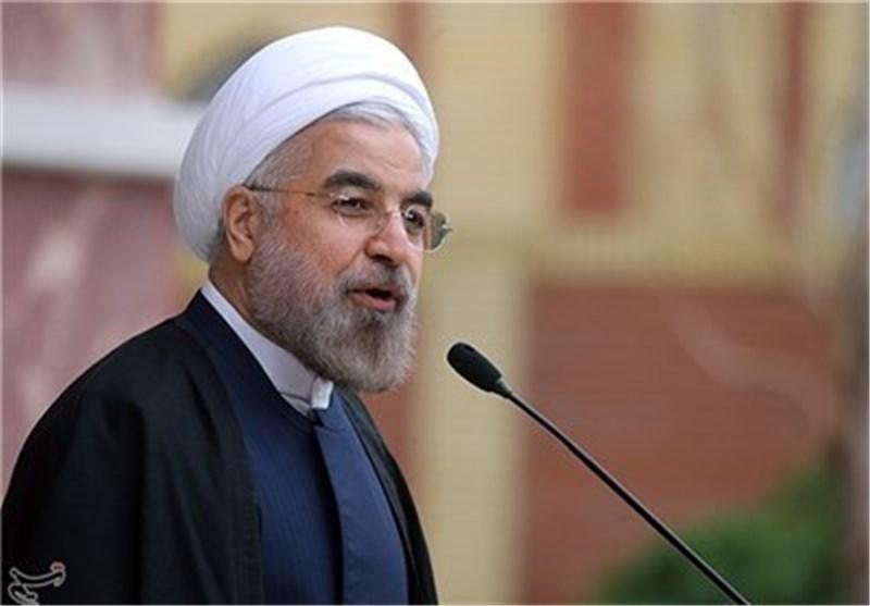 رئیس الجمهوریة: النفط أدی دوره فی انتصار الثورة الاسلامیة واضراب عماله قصم ظهر نظام الشاه