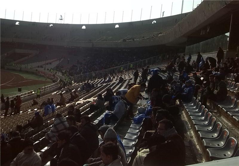 حضور 60 هزار نفر در ورزشگاه/ شعار تبانی در آزادی