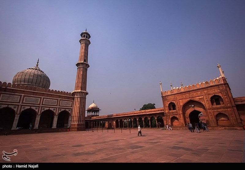 پرانی دہلی کی سیاحت کے بارے میں معلومات/ لال قلعہ اور مسجد جامع دو شاندار مقامات