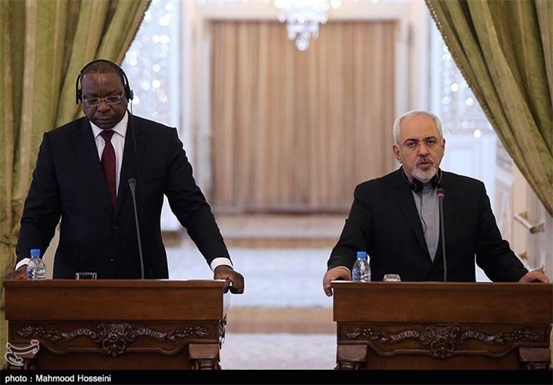 ظریف : أمن المنطقة والخلیج الفارسی من أمن إیران الاسلامیة ونرفض أیة شروط مسبقة لحضور جنیف 2