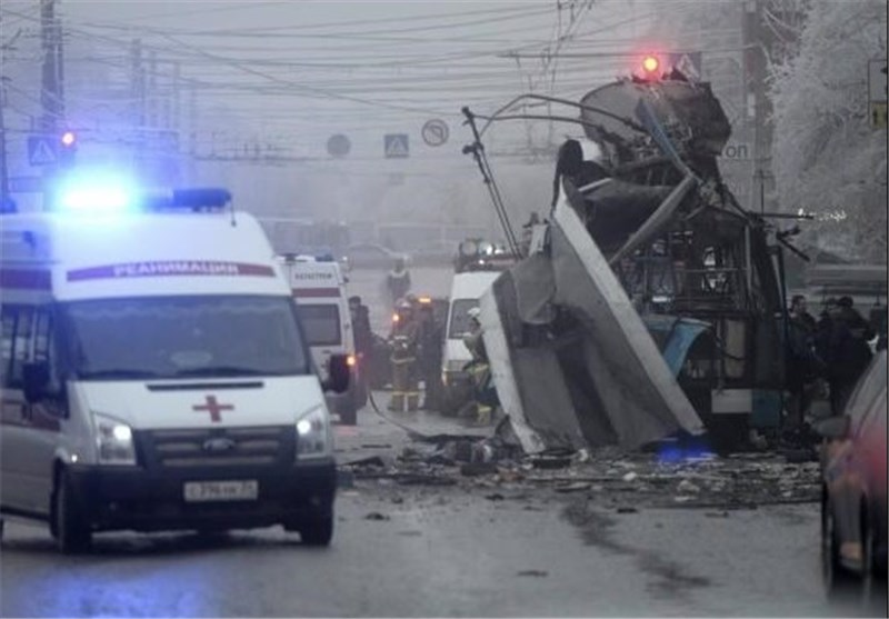 Blast in Russia Kills 3, Authorities Suspect Gas