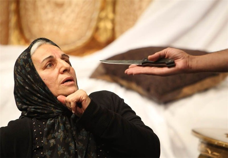 دومین روز تئاتر فجر، از نقش تبلیغاتی تئاتر خیابانی تا استقبال آذری زبانان