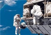 آرایه خورشیدی در ایستگاه فضایی بینالمللی توسط فضانوردان نصب شد + تصاویر