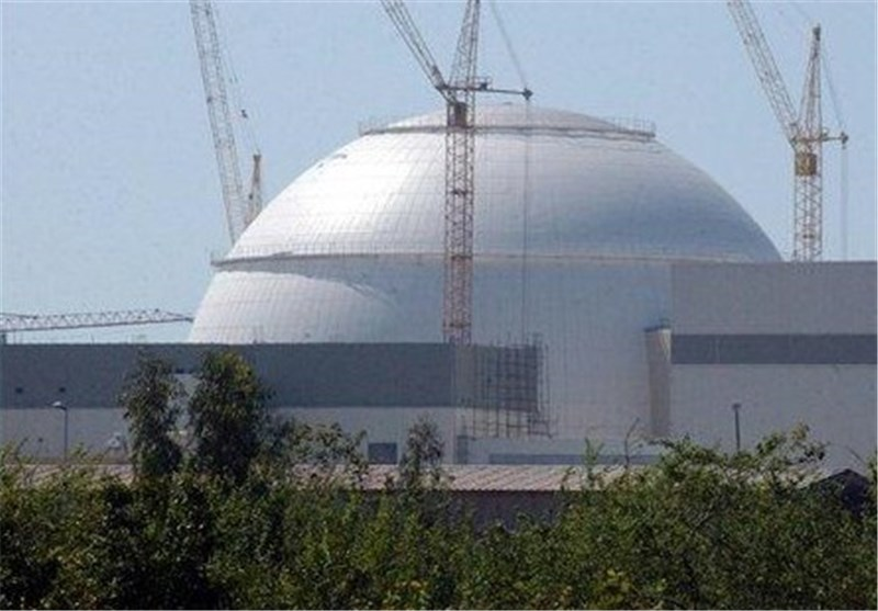 Iranian MPs Thank President for Contract on New Nuclear Power Plants