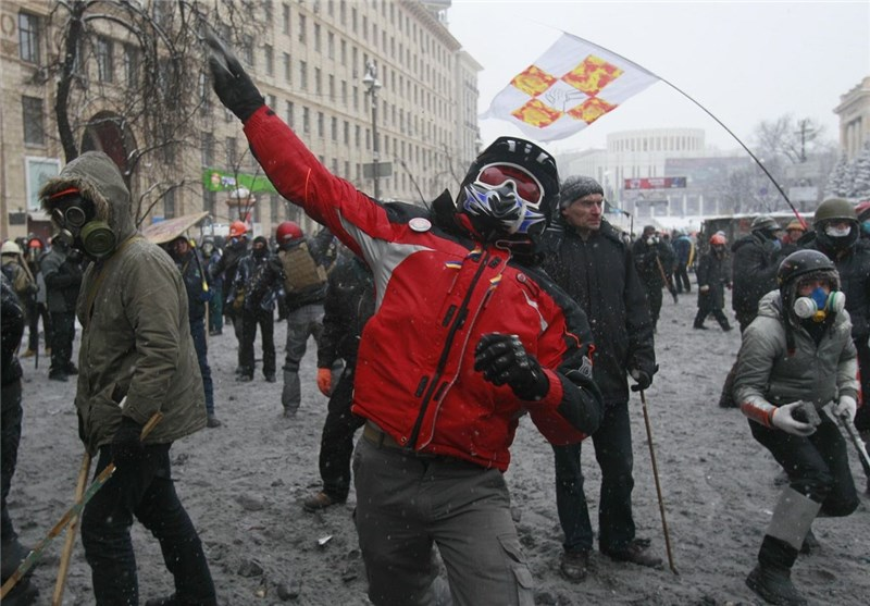Ukraine Riots Continue despite President's Offer to Opposition Leaders