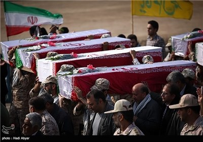 Photos: Iran, Iraq Exchange Bodies of Soldiers Killed in War