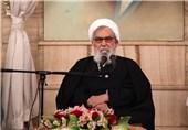 ملت ایران در مقابل فشارهای سیاسی دشمن از پای نمیایستند