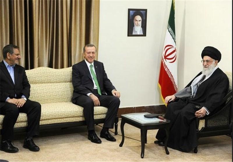 """Supreme Leader Terms Iran-Turkey Ties """"Unique"""""""