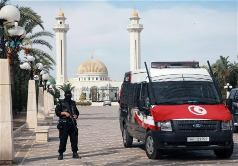 Policeman, 4 Terrorists Killed in Gunfight during Raid in Tunis