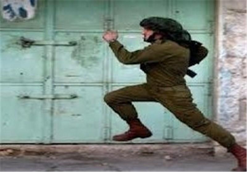 فیدیو یظهر عجز جنود الاحتلال الصهیونی أمام حجارة الفلسطینیین فی الجلزون