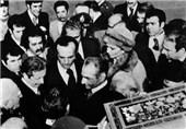 حلقه یاران شاه چهکسانی بودند؟/ ماجرای آشنایی محمدرضا پهلوی و فرح