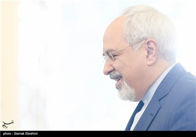 Iranian FM, OIC Chief Hold Joint News Conference in Tehran