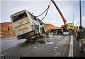 11 مجروح در واژگونی اتوبوس در اتوبان تهران قم