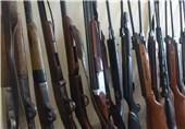 دزفول| قاچاقچی اسلحه با 57 قبضه سلاح شکاری غیر مجاز در دام قانون گرفتار شد