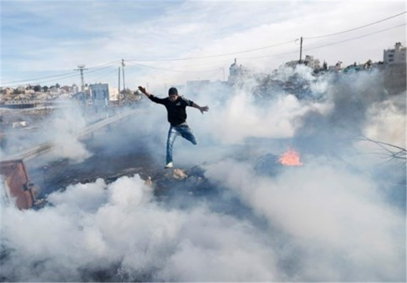 70 Injured in West Bank during Clashes Marking Arafat's Death