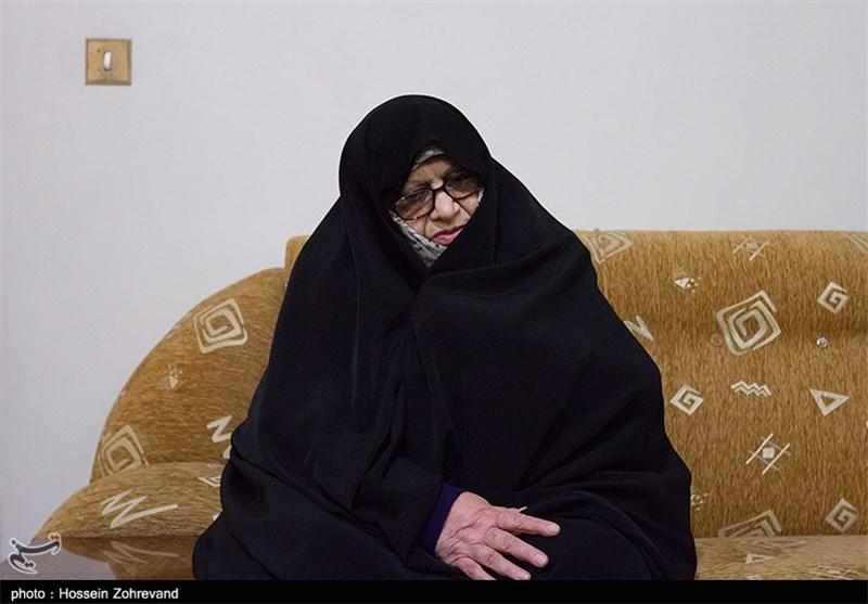 فیلم / سخنرانی قدیمی مرحومه خانم دباغ در حضور رهبر انقلاب