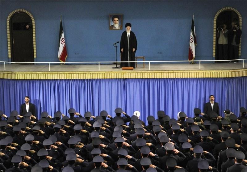 Leader Underscores Iran's Determination to Preseve Principles of Islamic Revolution
