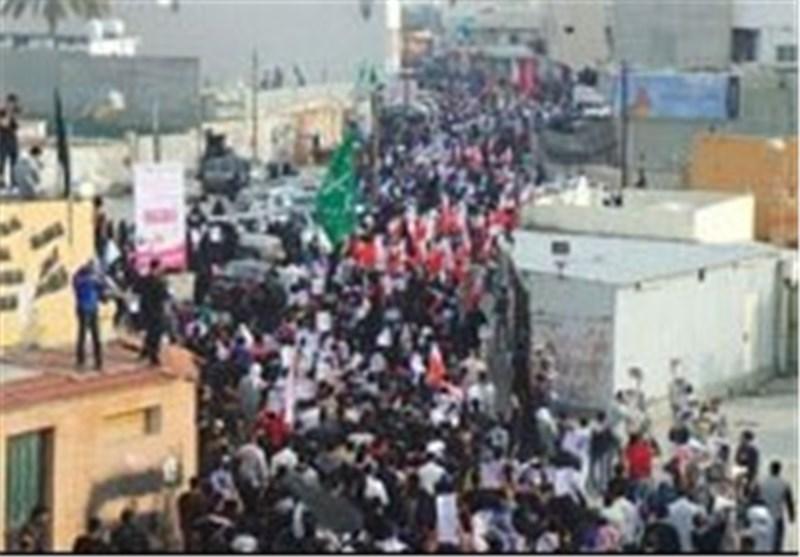 تظاهرات شعب البحرین تتجه صوب العاصمة المنامة لإحیاء الذکرى الثالثة لثورة 14 فبرایر