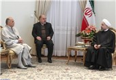 "President Rouhani Calls Iran, Tunisia ""Pioneers of Democracy"""