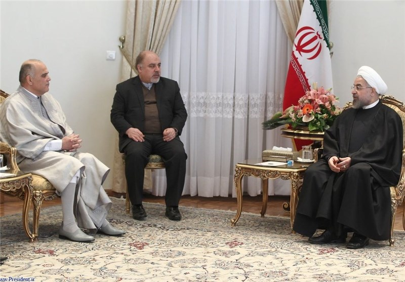 "President Rouhani Calls Iran, Tunisia ""Pioneers of Democracy"""