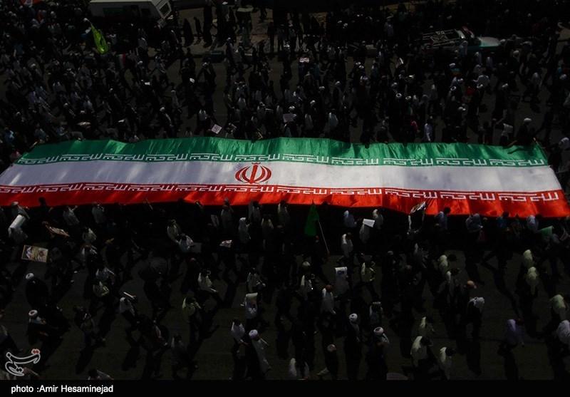 راهپیمایی یوم الله 22 بهمن در قم (تصاویر)