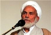 شیراز| واردات کالاهای خارجی مشابه داخلی حرام است؛ چرا 2.5 میلیارد دلار لباس وارد کشور شده است
