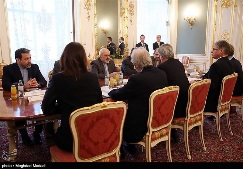 Zarif, Ashton Start Consultations with Own Teams after Bilateral Meeting