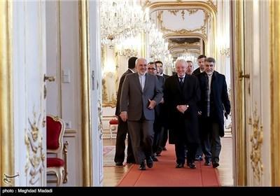 Iran's Zarif Meets Austrian President, FM in Vienna