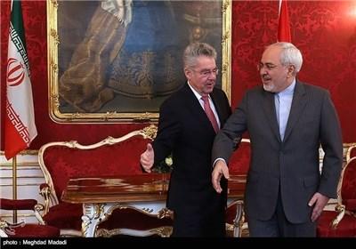 ظریف یلتقی رئیس جمهوریة النمسا