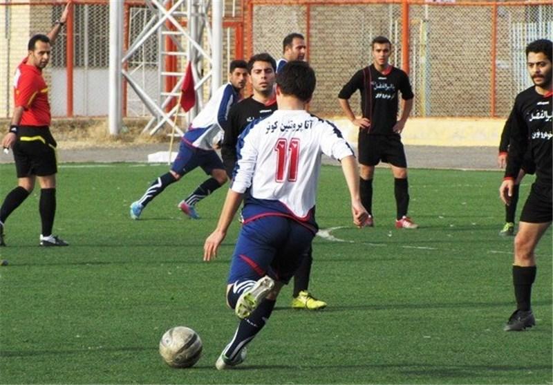 حضور تیم فوتبال جوانان شرکت نفت شازند در مسابقات کشوری