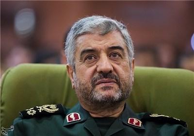 هیچ دشمنی حتی آمریکا جرأت تعرض به مرزهای امن ایران را ندارد