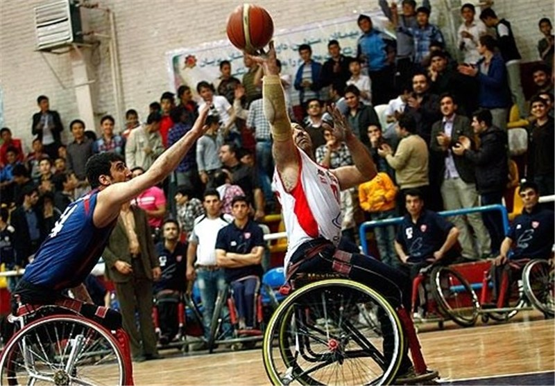 تیم بسکتبال ایثار قم برابر پگاه فارس به پیروزی رسید