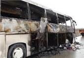 """جزئیات عملیات امداد و نجات سانحه تصادف """"اتوبوس با تانکر سوخت"""" در کاشان"""