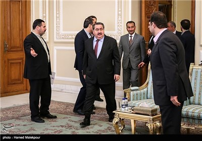 Iraqi FM Meets High-Ranking Iranian Officials in Tehran