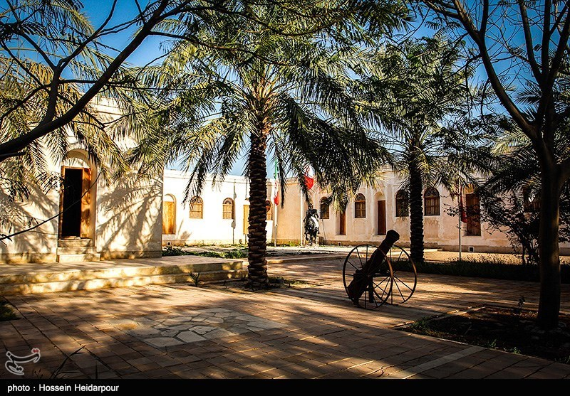 این منزل در سال 1370 هجری شمسی از سوی نواده شهید رئیسعلی دلواری به مدیریت میراث فرهنگی واگذار گشته و پس از مرمت به موزه تبدیل گردید. در ادامه با توجه به وجود مشکلات کالبدی ،ساختمان موزه مجددا در سال 1386 هجری شمسی توسط سازمان میراث فرهنگی ،صنایع دستی و گرد