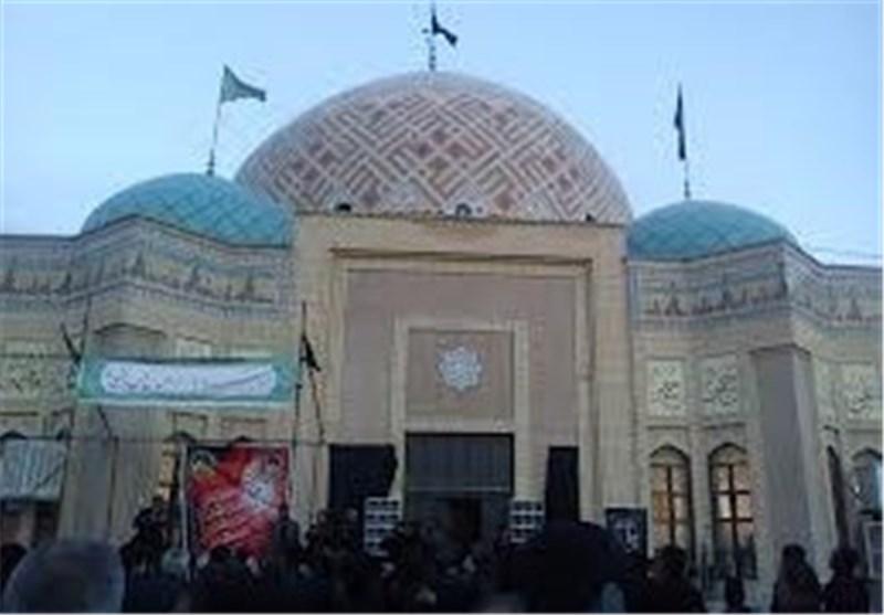 اجرای برنامههای فرهنگی در امامزاده اسماعیل(ع) گچساران