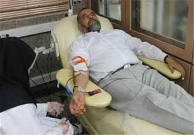 وزیر اطلاعات خون داد+عکس